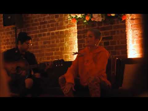 Video Halsey - Bad At Love (Acoustic) Live At House Of Spera PopUp download in MP3, 3GP, MP4, WEBM, AVI, FLV January 2017