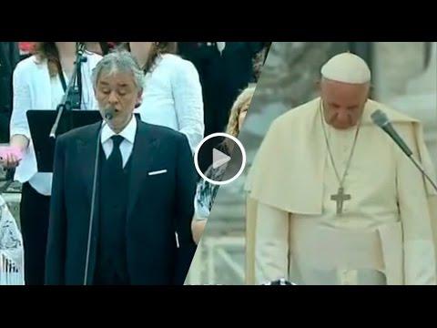 andrea bocelli canta e papa francesco si commuove