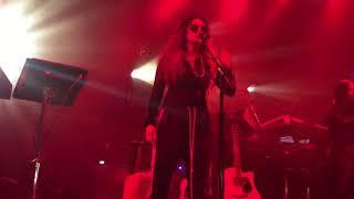 "Video H.E.R. - ""Focus"" (Live) - Lights On Tour - Ft. Lauderdale - 12/02/17 MP3, 3GP, MP4, WEBM, AVI, FLV Maret 2018"