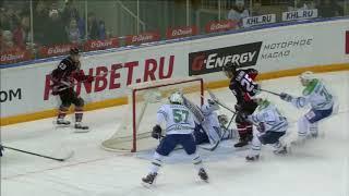 Галимов добивает шайбу после ошибки Скривенса