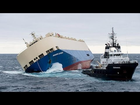 Γαλλία: Σε εξέλιξη επιχείρηση ρυμούλκησης ακυβέρνητου φορτηγού πλοίου