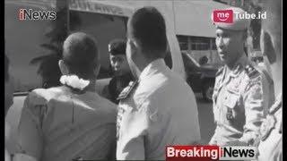 Video Rekaman Polisi Berlumuran Darah Dibacok Pelaku Penyerangan Mapolda Riau - Breaking iNews 16/05 MP3, 3GP, MP4, WEBM, AVI, FLV Agustus 2018