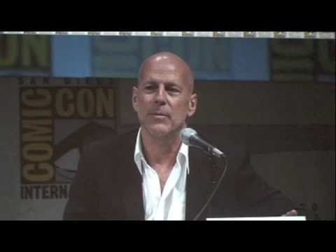 Red Movie Panel with Bruce Willis, Helen Mirren, Karl Urban & More at San Diego Comic-Con 2010