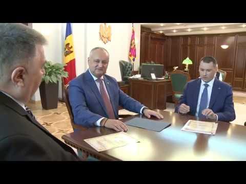 Președintele țării a avut o întrevedere cu familiile piloților moldoveni Lionel Buruiană și Mihail Crihan