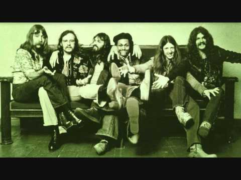 The Doobie Brothers - I Cheat The Hangman