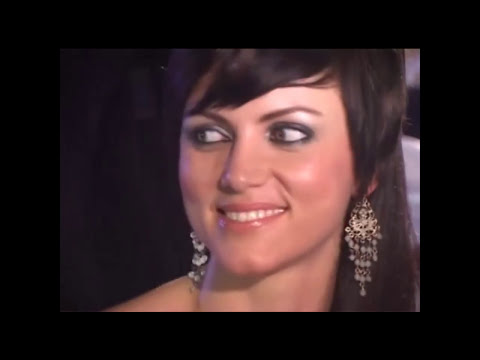 Yana Gupta no panty girl uncut