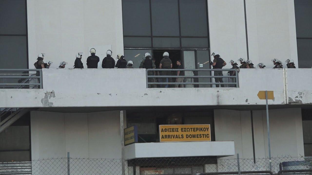 Επιχείρηση της ΕΛ.ΑΣ. για απομάκρυνση των προσφύγων και μεταναστών από το Ελληνικό