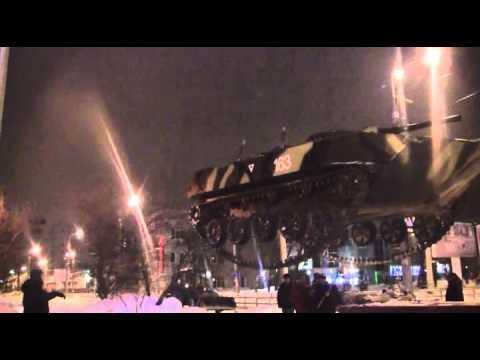 Установка памятника БМД-1 в Самаре 09.02.2014 (видео)