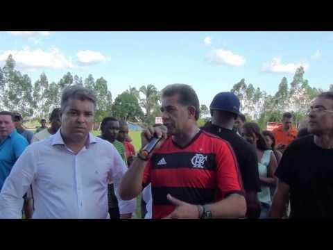 Ex jogador Nunes Discursando durante evento em Luzinópolis