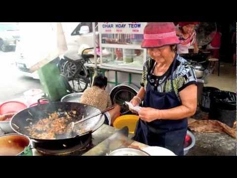 koay teow - For more info http://mana.my Char Kuay Teow is one of the most popular dishes in Penang, and every Penangnite has their favourite. There are, however, few Ch...