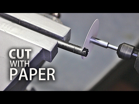 Uskotko että tämä ohut paperista tehty terä leikkaa vaikka puuta!