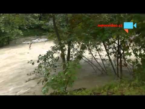 Velička - 3. povodňový stupeň Velká nad Veličkou