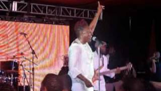 "Ledisi - ""Higher Than This"" @Essence Music Festival 2010"