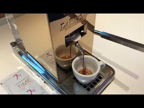 7Gramm Time ESE Kaffeepads (nicht für Senseo) mit einer La Piccola Piccola in gold