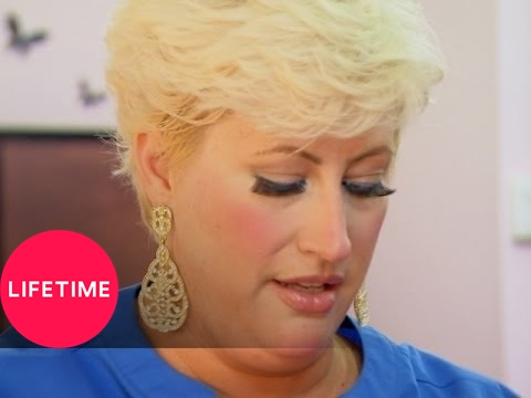 Kim of Queens: Hope Gets Her Hair Styled (S1, E3) | Lifetime