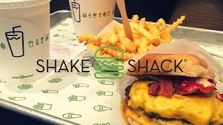 In this next installation I showcase and review Shake Shack in London Leicester Square.Shake Shack is a fast food restaurant chain founded in New York City back in 2004. Here they serve hotdogs, burgers, french fries, frozen custard and shakes.Unbiased Review by Riley Serola. Enjoy :)Disclaimer: Opinions expressed here are entirely my own and do not represent the views of other diners, owners or staff.TWITTERhttps://twitter.com/rileyserolaINSTAGRAMhttps://www.instagram.com/rileyserola/FACEBOOKhttps://www.facebook.com/profile.php?id=100010998639390Click here to find out more about the restauranthttps://www.shakeshack.com/location/london-uk-leicester-square------------------------------------------------MusicNorth Sea by RiotKilling Time by Kevin MacLeod is licensed under a Creative Commons Attribution license (https://creativecommons.org/licenses/by/4.0/)Source: http://incompetech.com/music/royalty-free/index.html?isrc=USUAN1100570Artist: http://incompetech.com