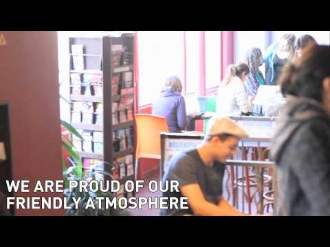 Wideo Le Montclair Montmartre Hostel & Budget Hotel