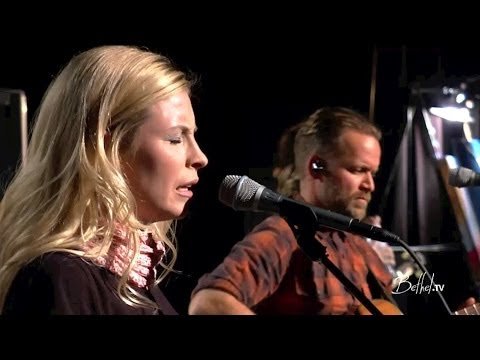 spontaneous - Spontaneous worship from Bethel Church featuring Brian & Jenn Johnson. Tag: