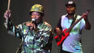 Chanteur emblématique du Congo Brazzaville, ZAO s'est fait connaitre par cette chanson qui traite de l'absurdité de la guerre au...