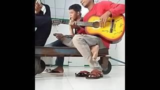 Gitar tua