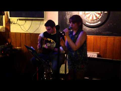 Blurred Lines – Tara Deane and Leon Silavant (acoustic cover)