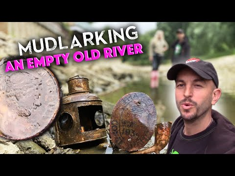 WOW! Things we find Mudlarking in an empty river! Upcycling special!