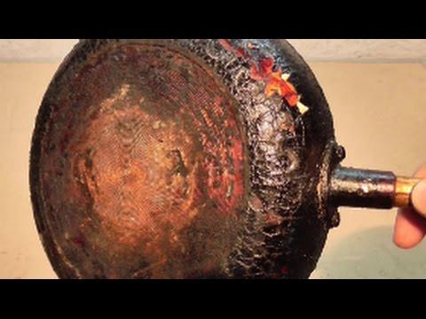 Как отмыть снаружи сковороду от нагара в домашних условиях