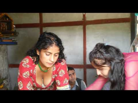Desi Girl Showing B**bs Boobs Cleavage By Mistake In Diwali Tikka