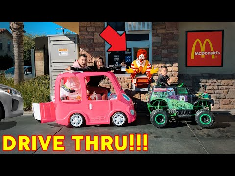 McDonalds Drive Thru In Our TOY CAR POWER WHEELS!   The Royalty Family