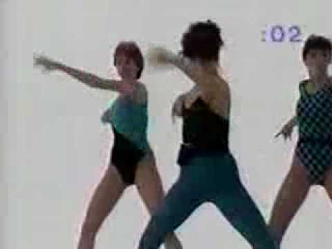 20 Minute Workout – Bess, Holly & Arlaine in Blue/Black outfits. 1 of 2