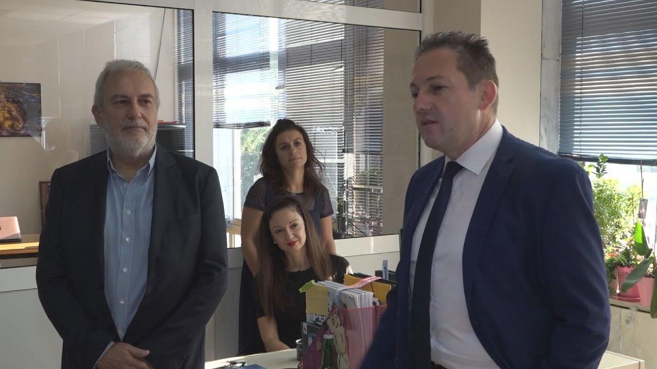 Επίσκεψη του Στέλιου Πέτσα στα γραφεία του ΑΠΕ-ΜΠΕ στη Θεσσαλονίκη