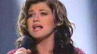 Video Kelly Clarkson - A Moment Like This (Winning Performance) MP3, 3GP, MP4, WEBM, AVI, FLV Juni 2018