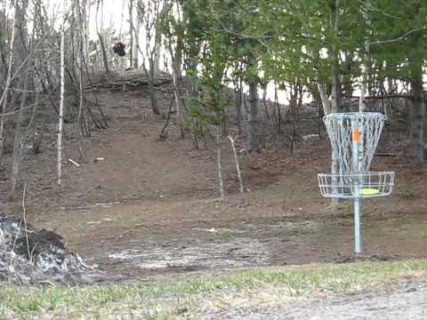 ACE! World Record Disc golf Ace at LSC Hole 17 Cubby style.