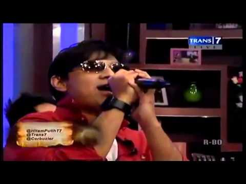 Andre Taulany Gabung Ke Stinky Nyanyi Lagu Mungkinkah - Hitam Putih