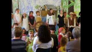 An original song in Manx Gaelic from the Bunscoill Ghaelgagh play 'Sneeu wheeyl sneeu' (performed June 2013). Music and words by Aalin Clague and Annie Kissack.