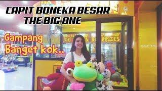 Video Mudahnya Main Capit Boneka Besar Timezone (The Big One) di Plaza Pondok Gede Bekasi MP3, 3GP, MP4, WEBM, AVI, FLV Mei 2018