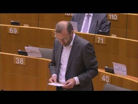 Mάνφρεντ Βέμπερ: «Δε μπορούμε να αφήσουμε την Ελλάδα και την Κύπρο μόνες τους»