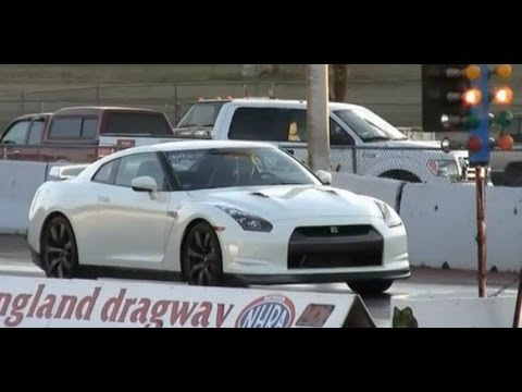 Close Call – Nissan GTR almost wrecks at the start of drag race