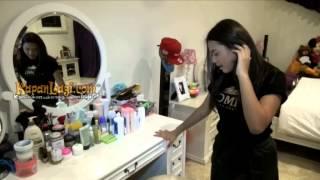 Aurel Berburu Make-Up Hingga Luar Negeri