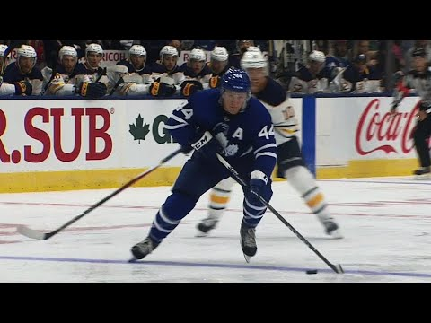 Video: Rielly takes advantage of Sabres casual defence