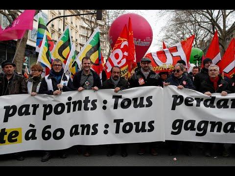 Réforme des retraites : Édouard Philippe retire provisoirement l'âge pivot du projet de loi