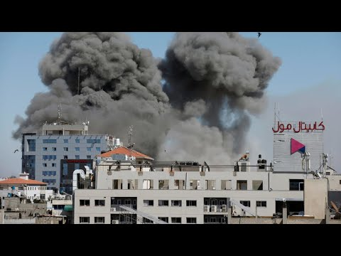 À Gaza, l'armée israélienne bombarde l'immeuble des médias Al-Jazira et Associated Press