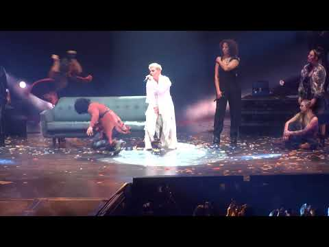 P!nk What About Us, Phoenix, 3/1/2018