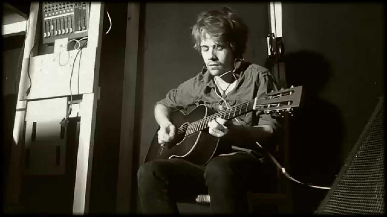 Hendrix Style Acoustic Blues Guitar – Danny James