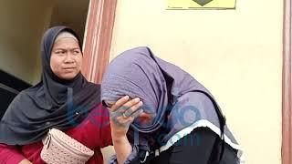 Video Datangi Polres Pelabuhan Tanjung Priok, Istri Aris Idol Menangis MP3, 3GP, MP4, WEBM, AVI, FLV Januari 2019