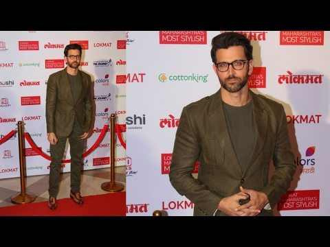Hrithik Roshan Looks Handsome As He Attends Maharashtra Lokmat Awards