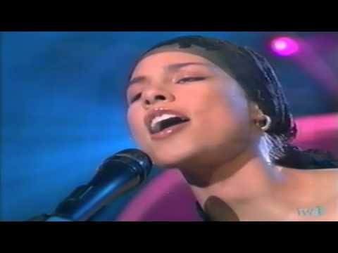 "Alicia Keys - ""A Woman's Worth"" (Música Sí)"