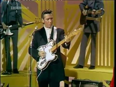 Tekst piosenki Waylon Jennings - Brown Eyed Handsome Man po polsku