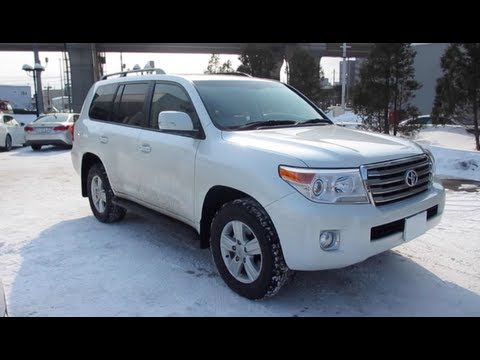 2013 TOYOTA LAND CRUISER – Exterior & Interior