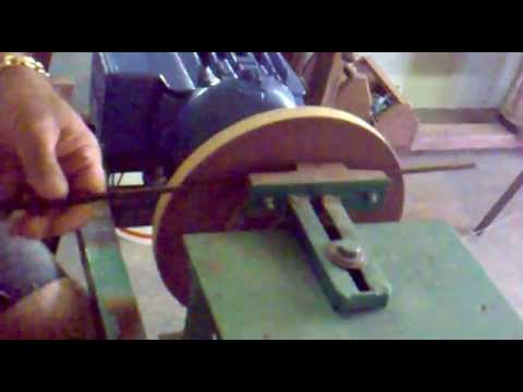 Lixadeira para gaiolas de madeira